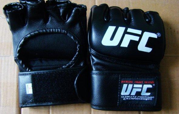 боксерские перчатки боевые